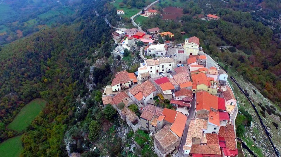 panoramica del borgo di Sasso